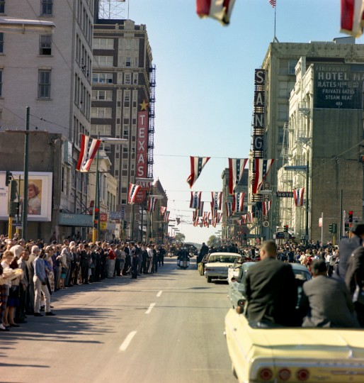 President Kennedy's motorcade travels through downtown Dallas. (Cecil Stoughton/John F. Kennedy Presidential Library and Museum/MCT)