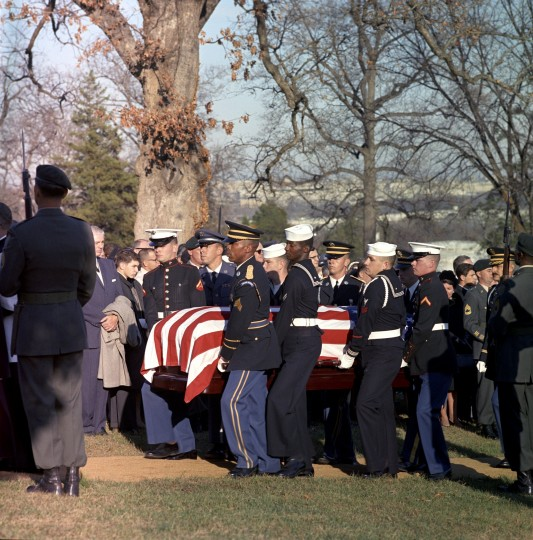 Pallbearers carry the casket of President Kennedy to the grave at Arlington National Cemetery in Arlington, Va., on Nov. 25. (Cecil Stoughton/John F. Kennedy Presidential Library and Museum/MCT)