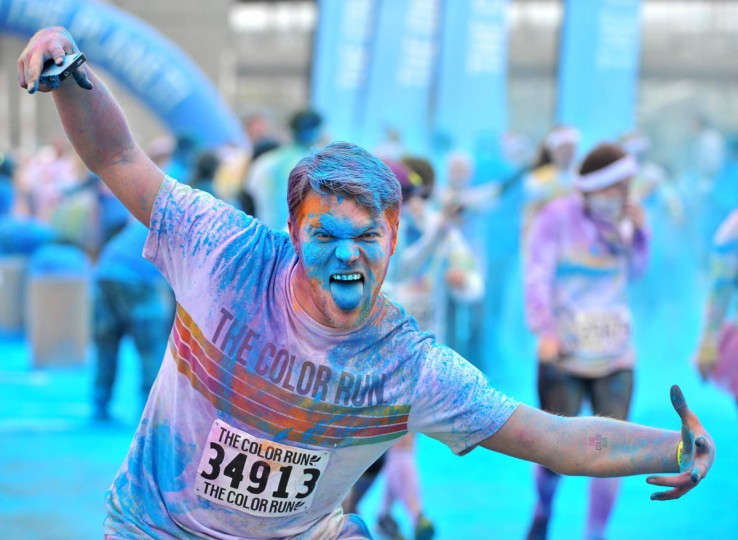 D.J. Hindt came from Mechanicsville, MD to take part in the morning Color Run. (Amy Davis / The Baltimore Sun)