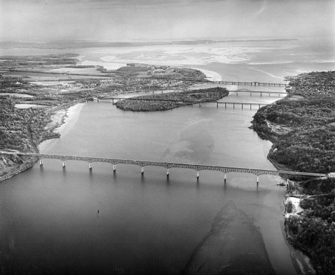 The new Susquehanna River Bridge is seen prior to the opening of the Northeastern Expressway in 1963. (Richard Stacks/Baltimore Sun)