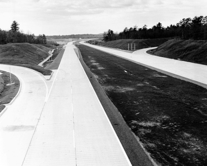 An empty stretch of the Northeastern Expressway is seen prior to it's opening in 1963. (Clarence Garrett/Baltimore Sun)