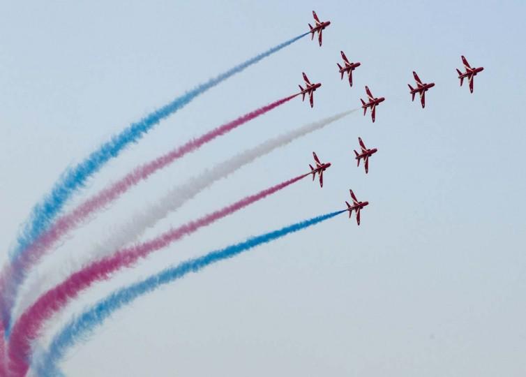 The Red Arrows Royal Air Force Aerobatic Team performs during the Dubai Airshow November 18, 2013. (Caren Firouz/Reuters)