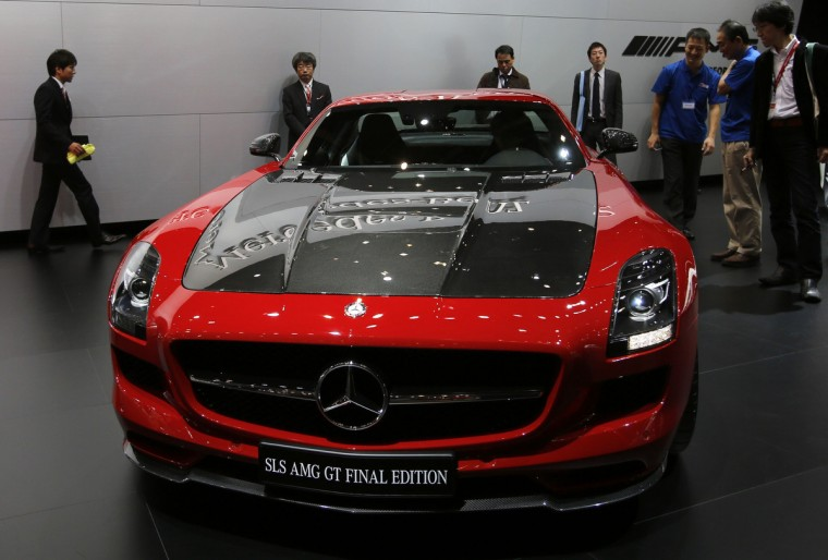 Mercedes-Benz SLS AMG GT final edition is seen at the 43rd Tokyo Motor Show in Tokyo November 20, 2013. Fourteen Japanese and 18 overseas carmakers and motorbike manufacturers are participating in the Tokyo Motor Show, which kicked off on Wednesday for the media. (Toru Hanai/Reuters)