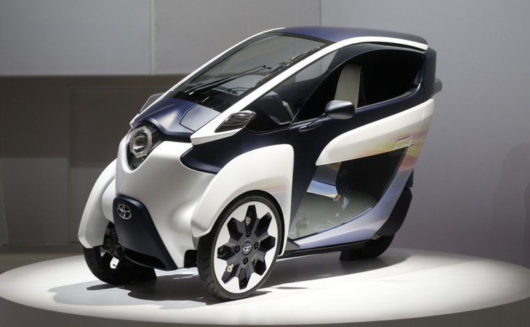 Toyota Motor Corp's Toyota i-Road is seen at the 43rd Tokyo Motor Show, November 20, 2013. Fourteen Japanese and 18 overseas carmakers and motorbike manufacturers are participating in the Tokyo Motor Show, which kicked off on Wednesday for the media. (Yuya Shino/Reuters)