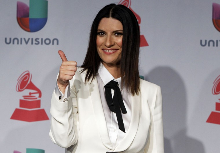 Laura Pausini poses backstage during the 14th Latin Grammy Awards in Las Vegas. (REUTERS/Steve Marcus)