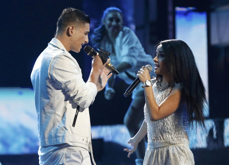 "Maluma performs ""La Temperatura"" with Becky G during the 14th Latin Grammy Awards in Las Vegas. (REUTERS/Mario Anzuoni)"