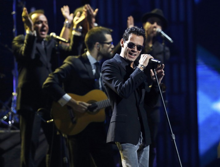"Marc Anthony performs ""Vivir Mi Vida"" during the 14th Latin Grammy Awards in Las Vegas. (REUTERS/Mario Anzuoni)"