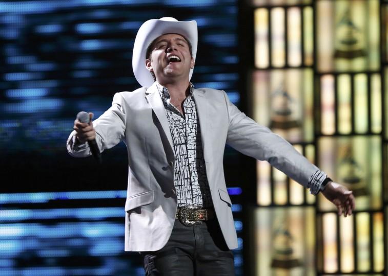 "Dasahev Lopez Saavedra of El Dasa performs ""Casi Pefecto"" during the 14th Latin Grammy Awards in Las Vegas. (REUTERS/Mario Anzuoni)"