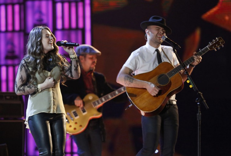 "Jesse and Joy perform ""Llorar"" during the 14th Latin Grammy Awards in Las Vegas. (REUTERS/Mario Anzuoni)"