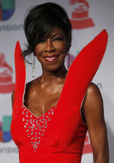 Singer Natalie Cole poses backstage during the 14th Latin Grammy Awards in Las Vegas. (REUTERS/Steve Marcus)