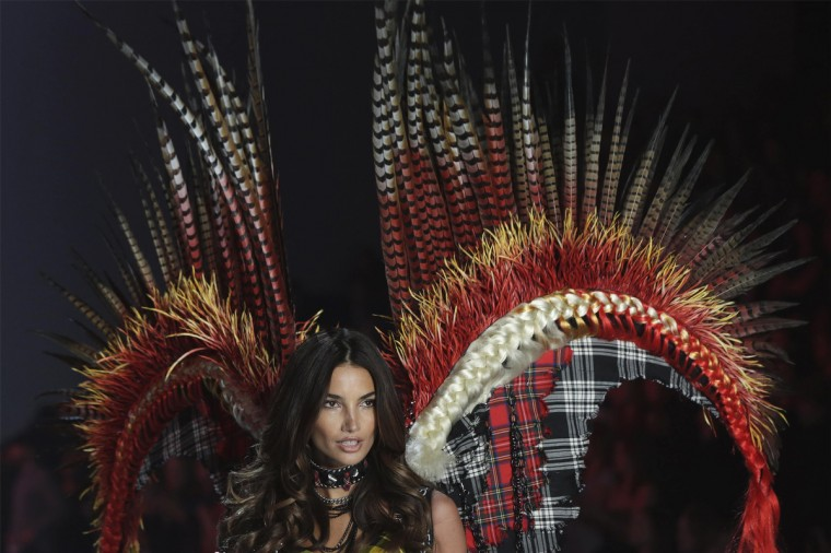 Model Lily Aldridge presents a creation during the annual Victoria's Secret Fashion Show in New York, November 13, 2013. (Lucas Jackson/Reuters)