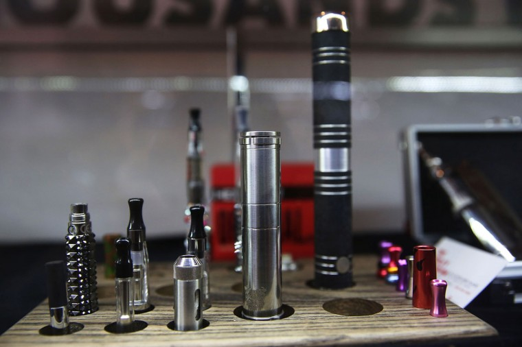 Different vaping pipes, or electronic cigarettes, are viewed for sale at the newly opened Henley Vaporium, on December 19, 2013 in New York City. (Spencer Platt/Getty Images)