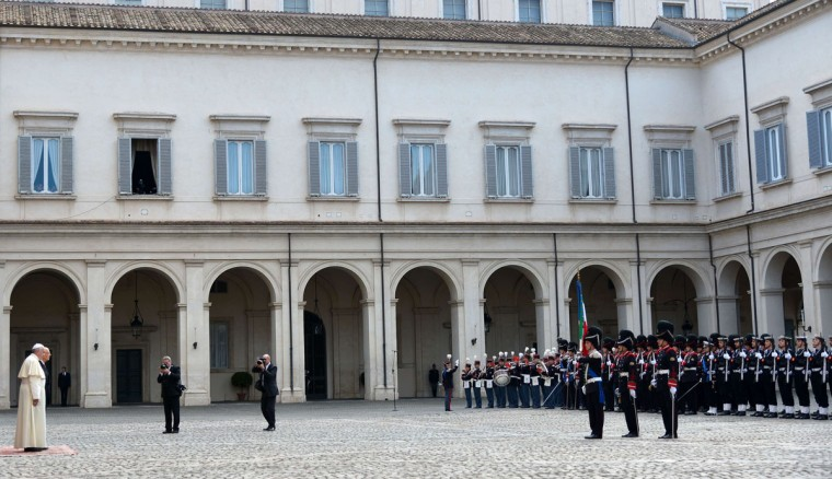 Italian President Giorgio Napolitano (R) and Pope Francis stand inside the courtyard of the Quirinale presidential palace ahead of their meeting in Rome on November 14, 2013 . (Vincenzo Pinto/AFP/Getty Images)