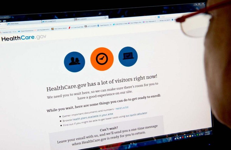 People who choose their insurance plan on the exchanges set up under the national healthcare reform law by December 23 will have until January 10 to pay and still receive coverage as of January 1, the nation's biggest group of insurers said on Wednesday. (AFP/Getty file photo by Karen Bleier)
