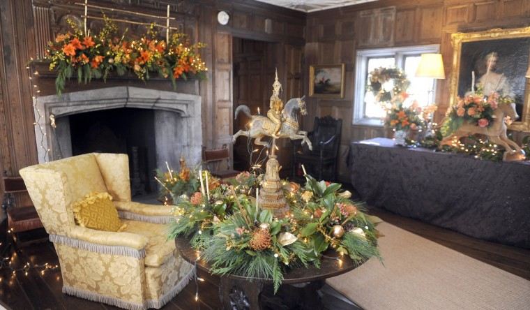 "The Elizabethan Room, is decorated for the ""Christmas Through the Ages"" tour by Jeanne Graham of Blue Sage, at the Manor House. (Barbara Haddock Taylor/Baltimore Sun)"
