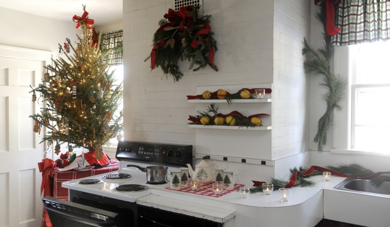 The kitchen at the Manor House at Ladew Gardens was decorated by St George's Garden Club for the Ladew holiday tour. (Barbara Haddock Taylor/Baltimore Sun)