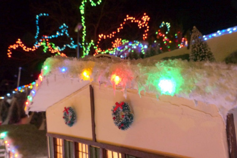 Holiday decorations are in place at the holiday resort of Beaverton Cliffs. (Karl Merton Ferron/Baltimore Sun Staff)