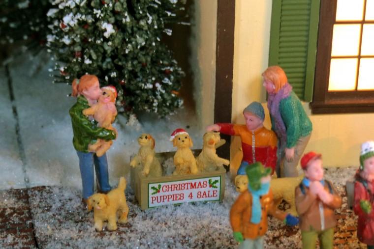 Christmas puppies for sale at the holiday resort of Beaverton Cliffs. (Karl Merton Ferron/Baltimore Sun Staff)