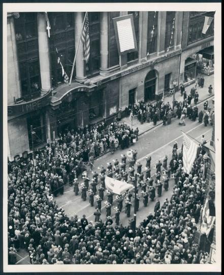 Pearl Harbor Day in Baltimore 1942. (Baltimore Sun file)