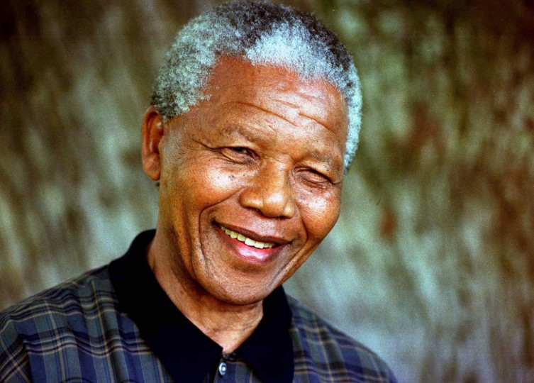 South Africa's President Nelson Mandela is seen in this August 1996 file photo. Mandela has passed away on December 5, 2013 at the age of 95. (Mike Hutchings/REUTERS)
