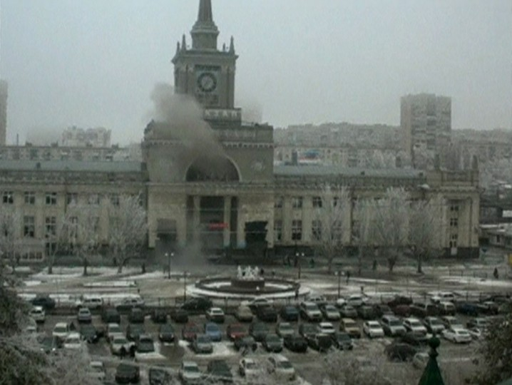 A still image taken from CCTV footage shows smoke rising after an explosion at a train station in Volgograd on December 29, 2013. A female suicide bomber blew herself up in the entrance hall of the Russian train station on Sunday, killing at least 13 people in the second deadly attack in the space of three days as the country prepares to host the Winter Olympics. (Reuters photo)