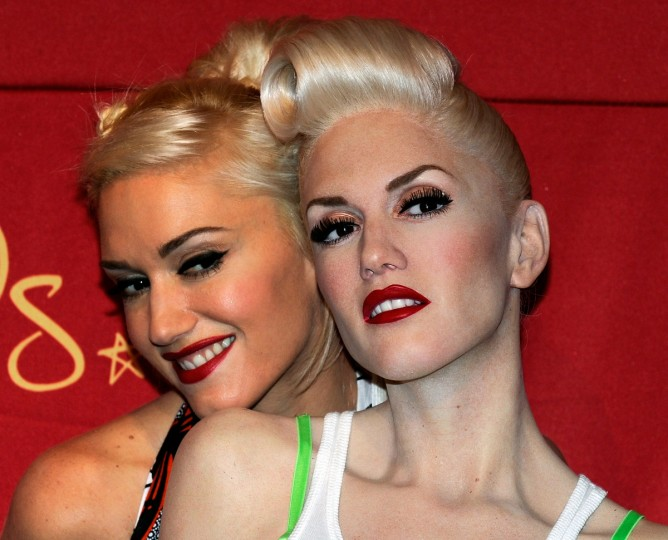 Singer Gwen Stefani (L) appears with her wax figure after it was unveiled at Madame Tussauds Las Vegas at the Venetian Resort Hotel Casino September 22, 2010 in Las Vegas, Nevada. (Ethan Miller/Getty Images)