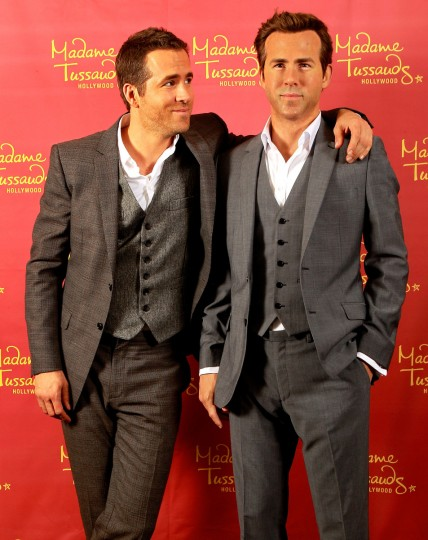 Ryan Reynolds poses side by side with his Madame Tussauds Hollywood wax figure on October 21, 2013 in New Orleans, Louisiana. ( Sean Gardner/Getty Images)
