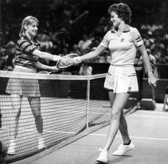 Chris Evert Lloyd extends her hand to Marylander Pam Shriver after defeating her at the Capital Center in Landover, MD on March 1, 1981. (Paul Hutchins/Baltimore Sun)