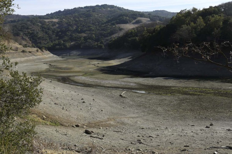 The nearly dry bottom of the Almaden Reservoir is shown near San Jose, California January 21, 2014. California Governor Jerry Brown last week declared a drought emergency, and the dry year of 2013 has left fresh water reservoirs with a fraction of their normal water reserves. (Robert Galbraith/Reuters photo)