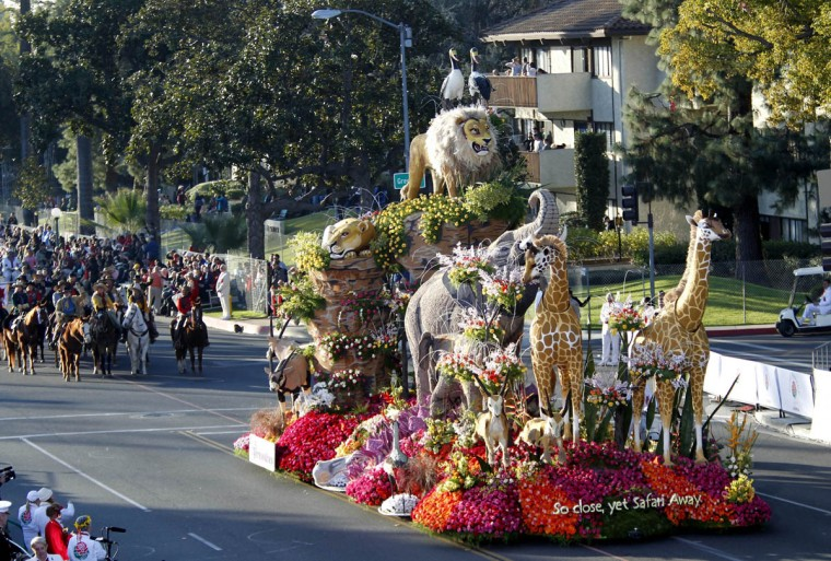 "The Western Asset Management Co. entry ""So close, yet Safari"" participates in the 125th Rose Parade in Pasadena, Calif. (Allen J. Schaben/Los Angeles Times)"