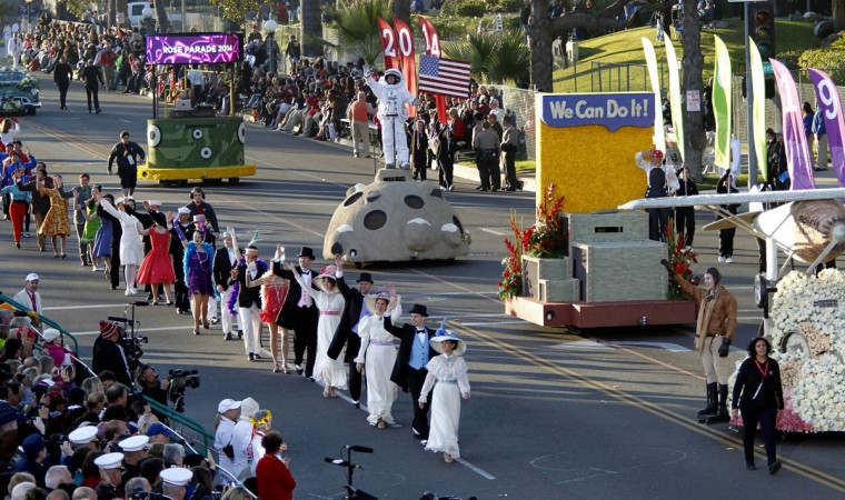 The 125th Rose Parade makes its way through Pasadena, Calif., on Jan. 1, 2014. (Allen J. Schaben/Los Angeles Times)