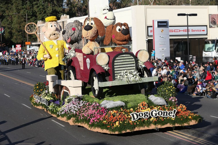 The Bob Hope Humor Trophy float on the parade route. (Frederick M. Brown/Getty Images)
