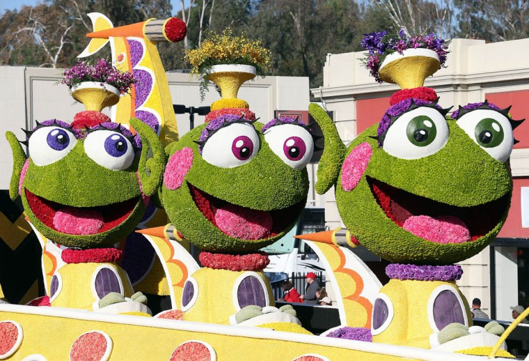 The Grand Marshal's Trophy float on the parade route during the 125th Rose Parade on January 1, 2014 in Pasadena, California. (Frederick M. Brown/Getty Images)