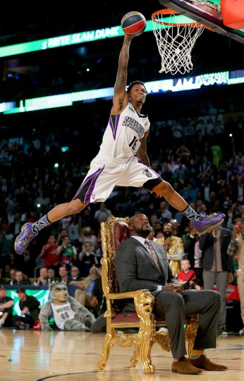 Western Conference All-Star Ben McLemore #16 of the Sacramento Kings dunks the ball over Shaquille O'Neal during the Sprite Slam Dunk Contest 2014 as part of the 2014 NBA All-Star Weekend at the Smoothie King Center on February 15, 2014 in New Orleans, Louisiana. (Ronald Martinez/USA Today Sports)