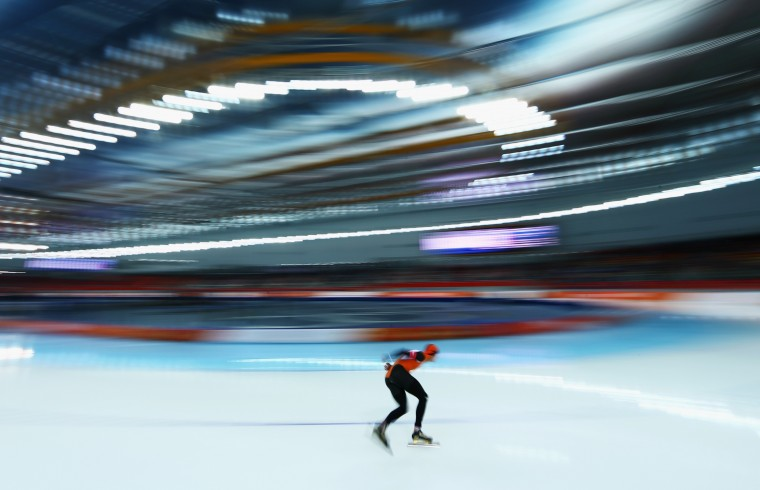 Sven Kramer of the Netherlands competes during the Men's 5000m Speed Skating event during day 1 of the Sochi 2014 Winter Olympics at Adler Arena Skating Center on February 8, 2014 in Sochi, Russia. (Photo by Paul Gilham/Getty Images)