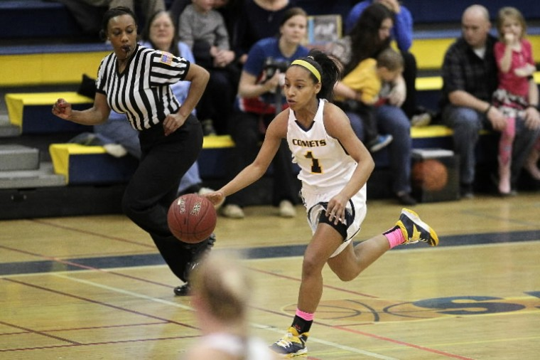 Catonsville's Breya Wallace dribbles the ball during the girls basketball game against Woodlawn at Catonsville High School in Catonsville Wednesday, Feb. 19. (Jen Rynda/BSMG)
