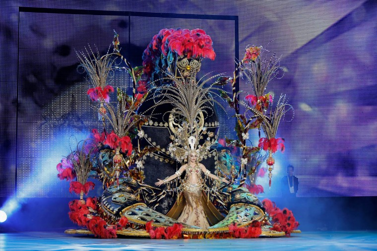 Nominee for Queen of the 2013 Santa Cruz carnival Paula Delgado performs on February 26, 2014 in Santa Cruz de Tenerife on the Canary island of Tenerife, Spain. The Carnival of Santa Cruz de Tenerife brings every year thousands of revellers. Santa Cruz is the closest European equivalent to the Brazilian Carnival from Rio Janeiro. (Pablo Blazquez Dominguez/Getty Images)