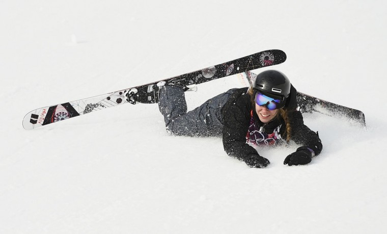 Germany's Lisa Zimmermann crashes during the women's freestyle skiing slopestyle qualification event at the 2014 Sochi Winter Olympic Games in Rosa Khutor February 11, 2014. (REUTERS/Dylan Martinez)