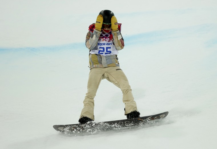 Shaun White of the U.S. reacts after crashing during the men's snowboard halfpipe final event at the 2014 Sochi Winter Olympic Games, in Rosa Khutor February 11, 2014. (REUTERS/Mike Blake)