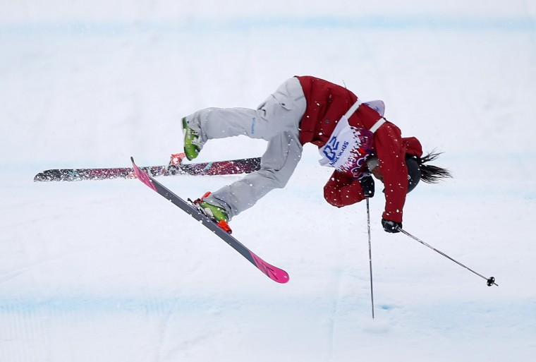 Canada's Yuki Tsubota crashes during the women's freestyle skiing slopestyle finals at the 2014 Sochi Winter Olympic Games in Rosa Khutor February 10, 2014. (REUTERS/Mike Blake)