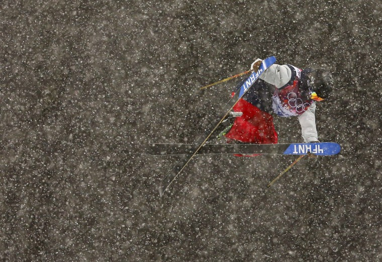 David Wise of the U.S.competes during the men's freestyle skiing halfpipe qualification round at the 2014 Sochi Winter Olympic Games in Rosa Khutor February 18, 2014. REUTERS/Lucas Jackson