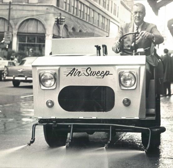 Mayor McKeldin practices the clean sweep of Baltimore. (George Cook/Baltimore Sun file/Oct. 25, 1967)
