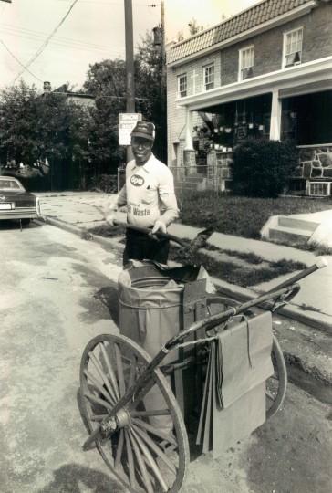 W. Baltimore Street cleaning on Aug., 14, 1985. (Baltimore Sun file)