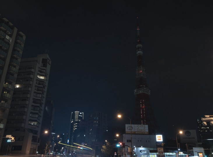 Tokyo Tower is seen after the lights were switched off to recognize Earth Hour on March 29, 2014 (Photo by Keith Tsuji/Getty Images)