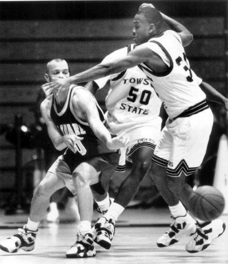 Dec. 17, 1994 - TSU guard Michael Keyes puts pressure of Delaware guard Brian Pearl. (Paul Cory/Baltimore Sun)