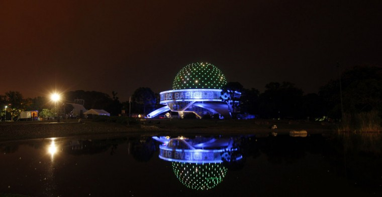 A general view of the Galileo Galilei planetarium during Earth Hour in Buenos Aires on March 29, 2014. (REUTERS/Marcos Brindicci)