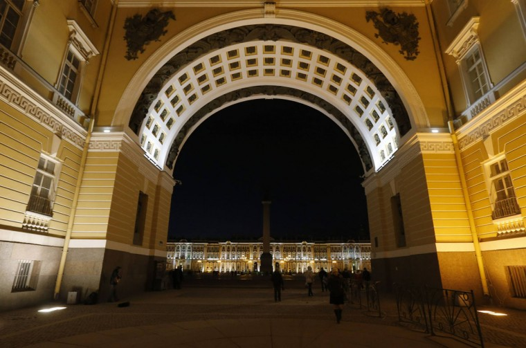 The Arch of the General Headquarters Building is pictured after Earth Hour in St. Petersburg, Russia on March 29, 2014. (REUTERS/Alexander Demianchuk)