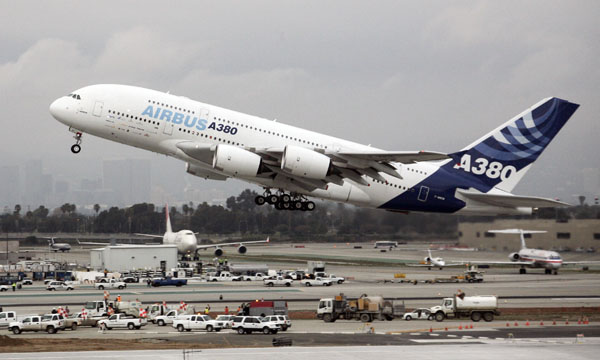 An Airbus A380 aircraft, the world's largest passenger plane, takes off from Los Angeles International Airport on its return flight back to France after making its first USA west coast touchdown. (REUTERS/Gene Blevins)