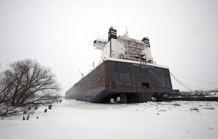 A ship is frozen in Lake Superior at port in Superior, Wis., on February 15, 2014. (REUTERS/Eric Miller)