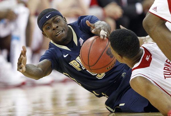 Durand Johnson's Pittsburgh Panthers, a No. 9 seed, face eighth-seeded Colorado on Thursday in Orlando. Johnson, a Lake Clifton graduate and redshirt sophomore forward, is out for the season with a torn ACL and meniscus injury. (Ellen Ozier/USA TODAY Sports)
